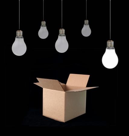 solucion de problemas: Pensar fuera de la caja Foto de archivo