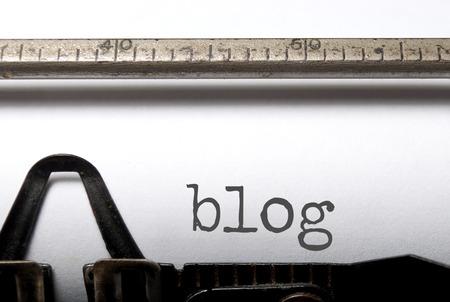 ブログ、古いタイプライターの印刷 写真素材