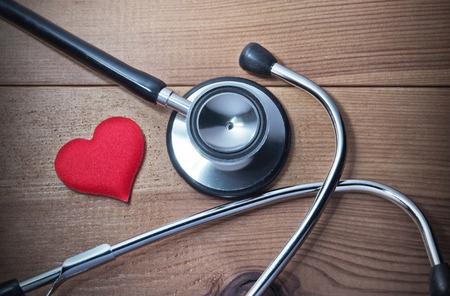 estetoscopio corazon: Estetoscopio y corazón