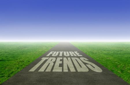 Nieuwe toekomst trends concept met open weg die leidt naar de horizon Stockfoto
