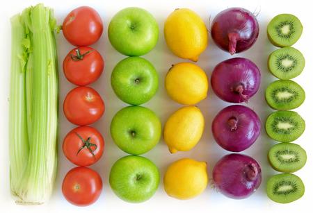 frutas: Las frutas y verduras de fondo Foto de archivo