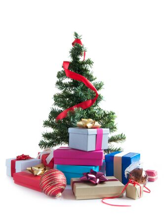 box tree: Christmas tree with gifts