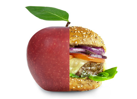 alimentos saludables: estilos de vida saludables y no saludables concepto Foto de archivo