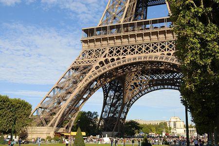eiffel tower - Paris Stock Photo - 3955895