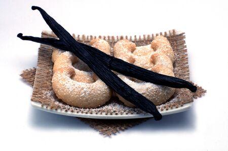 形をしたバニラ クッキーとバニラ豆白で隔離