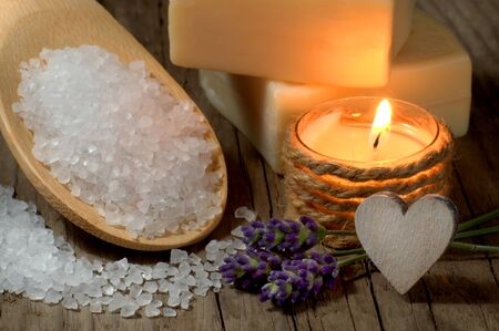 regimen: Natural spa setting with lavender and candle Stock Photo