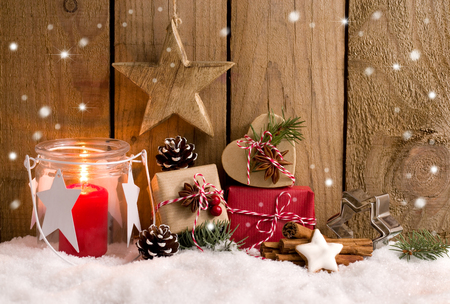 Christmas - Cute gifts, decoration and lantern in the snow Stok Fotoğraf - 91902431