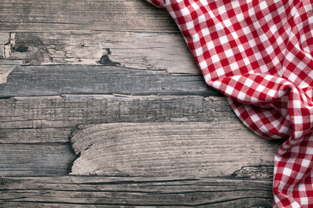 picnic cloth: checkered fabric red