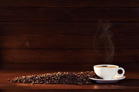 Stoomende koffiekop achtergrond