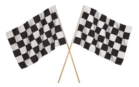 cuadros blanco y negro: Dos Banderas Checker atravesado aislado en un fondo blanco. Foto de archivo