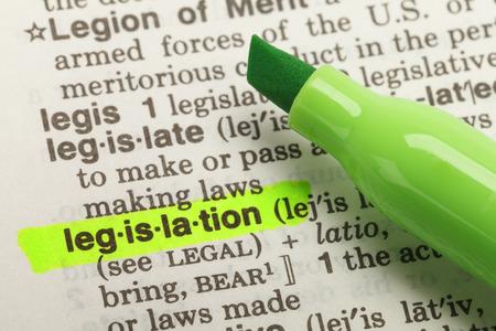 Het Woord wetgeving Benadrukt in Woordenboek met gele markeerstift Marker Pen. Stockfoto