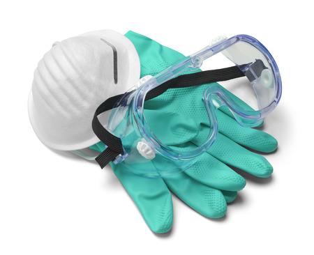 Masku, rukavice a brýle v Pile izolovaných na bílém pozadí.