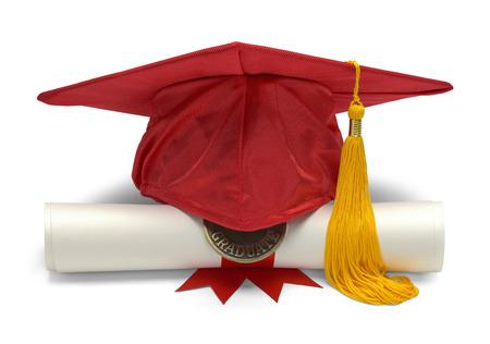 birrete: Sombrero de graduación y diploma Vista frontal aislado en fondo blanco.