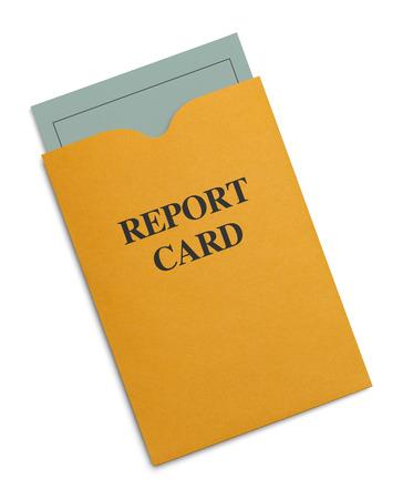白い背景に分離された黄色い封筒の中新しいグリーン レポート カード。 写真素材