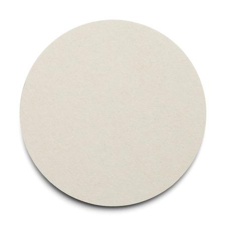 흰색 배경에 고립 된 복사본 공간 라운드 골 판지 코스터.