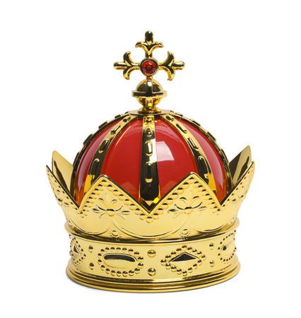 corona de rey: Oro Reyes Corona con Cruz aisladas sobre fondo blanco.