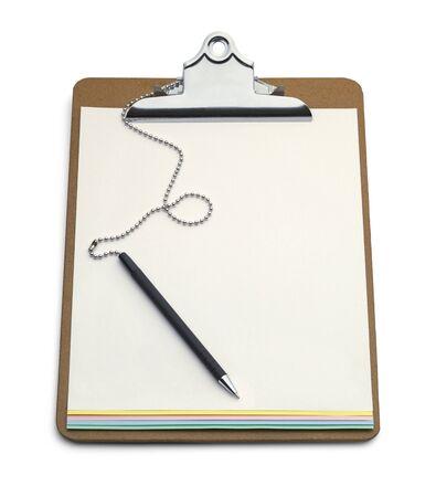 portapapeles: Portapapeles con Carbon Copy Forma y pluma aisladas sobre fondo blanco.