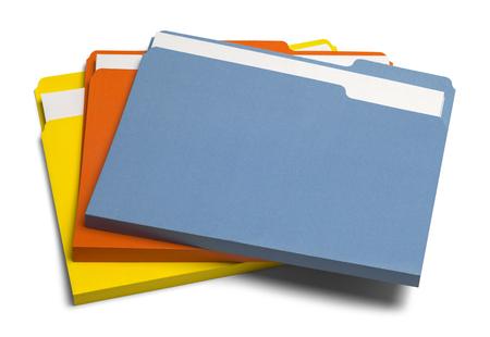 Pila de tres archivos de colores aislados sobre fondo blanco.