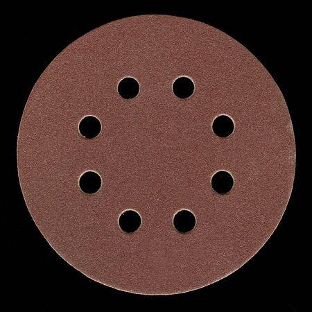 grinta: tutti i fine, sabbia fine, sostenuta sabbiatura disco adesivo con fori di ventilazione su sfondo nero