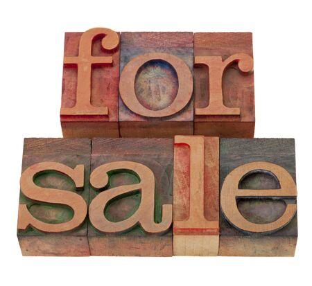 frase de venta en tipografía de madera cosecha impresión de bloques, teñidos de tintas de color, aislados en blanco