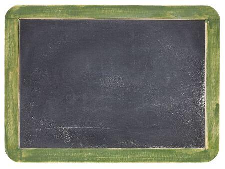 oud leeg leibord met witte krijtstof en textuur, groen houten kader
