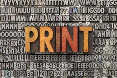 print: print - Text in vintage Holz Buchdruck Bl�cke gegen grunge Metall gesetzt