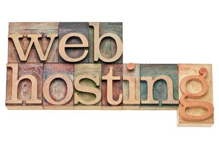 feindschaft: Webhosting - Internet-Konzept - isoliert Text im Vintage-Holz Buchdruck Bl�cke, von Farbtinten gef�rbt