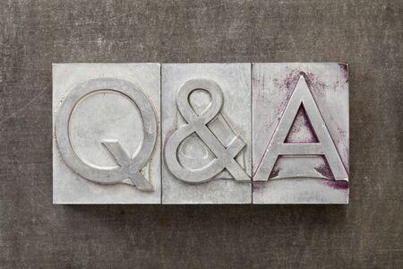 control de calidad: Q & A - Preguntas y respuestas acrónimo - El texto de la vendimia en el tipo de metal de tipografía