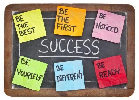 어떻게 칠판에 성공 개념에 - 준비, 발견, 자신, 다른, 최고의, 가장 먼저