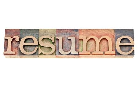 摘要: 恢復 - 在由彩色墨水染色老式凸版木型隔離文字