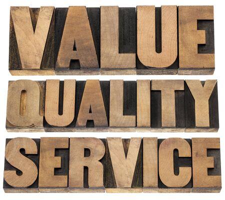 Mantra: Wert, Qualit�t, Service-Business-Mantra Konzept - einzelne W�rter in vintage Buchdruck Holzart Druckst�cke