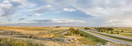 Vue panoramique (sud à la recherche) du nord de la prairie du Colorado et I-25 autoroute à Fort naturel Banque d'images - 30421743