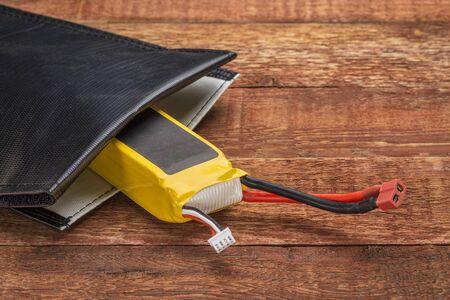 drones: LiPo (polimeri di litio) batteria protettiva,, sacchetto di ricarica a prova di fuoco. Queste batterie sono utilizzati in droni e modelli radiocomandati