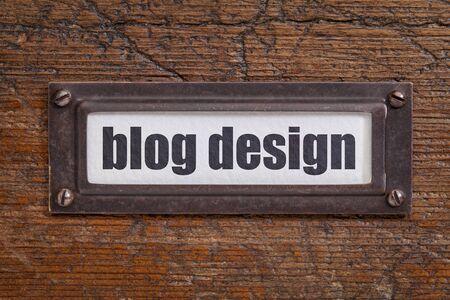 file cabinet: dise�o del blog - etiqueta archivador, titular de bronce contra el grunge y madera rayado Foto de archivo