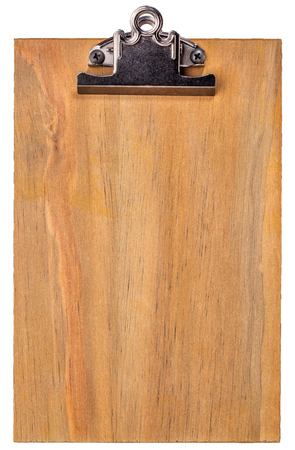 portapapeles: Portapapeles en blanco de madera aislada en blanco con trazados de recorte