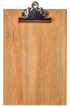 the clipboard: Portapapeles en blanco de madera aislada en blanco con trazados de recorte