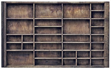 textura madera: cajón de impresora cosecha de madera (tipógrafo) con numerosas divisores, aislados en blanco