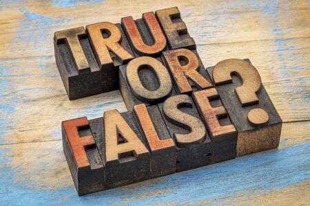 Cuestión verdadera o falsa en bloques de impresión de madera tipográfica de época