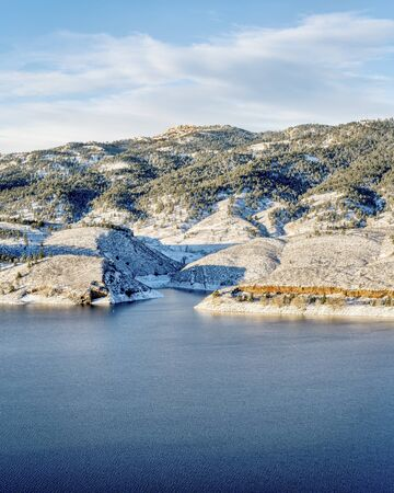 horsetooth reservoir: Horsetooth Reservoir and Rock in winter scenery, landmarks of Fort Collins in northern Colorado