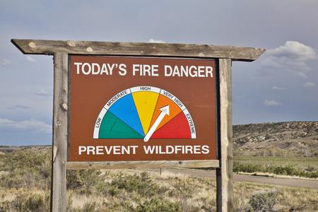 高火北西コロラド州の道路警戒標識