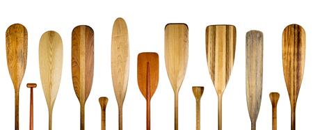 Houten handvatten van houten kano peddels, een verscheidenheid aan stijlen en vormen - peddelen concept Stockfoto - 84721354