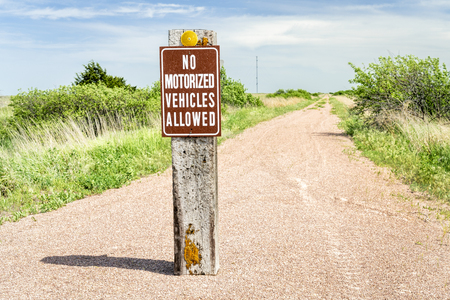 multi-use recreational Cowboy Trail in northern Nebraska with no motorized vehicles sign Stock Photo