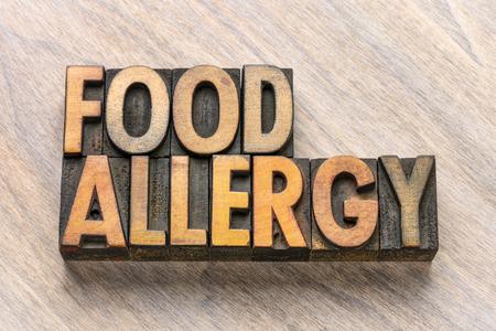 Mot d'allergie alimentaire dans les blocs d'impression de type bois de typographie vintage