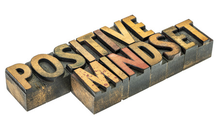 positive mindset  - isolated word abstract in vintage letterpress wood type blocks Banque d'images - 123049939