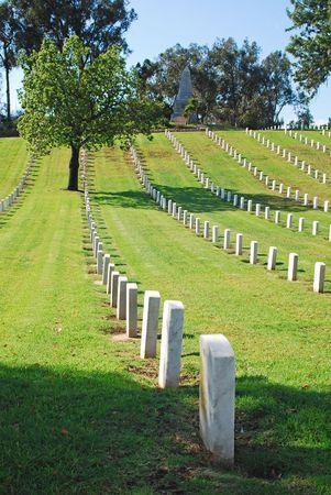 In der Los Angeles National Cemetery aufgereihten Grabsteine. Die VA National Cemetery Verwaltung ehrt den Militärdienst der unsere Nation Veteranen. Standard-Bild - 2169627
