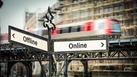 Street Sign Online versus Offline 版權商用圖片