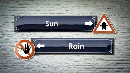 Letrero de calle Sol contra lluvia