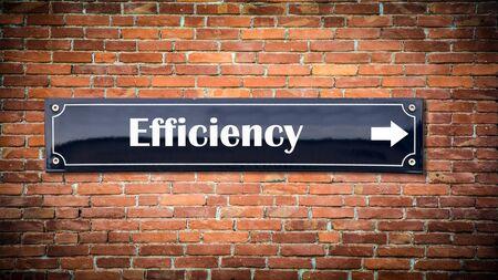 Segnale stradale la via verso l'efficienza