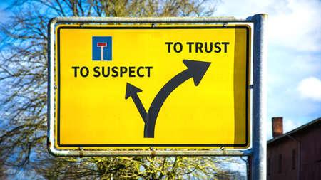 Street Sign the Direction Way TO TRUST versus TO SUSPECT Zdjęcie Seryjne