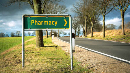 Street Sign the Direction Way to Pharmacy 版權商用圖片 - 151150027
